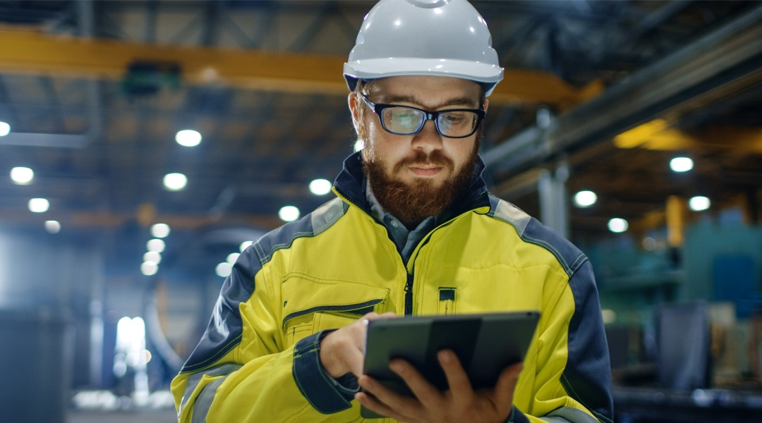 ebook-the-kpis-every-manufacturer-should-know-and-measure
